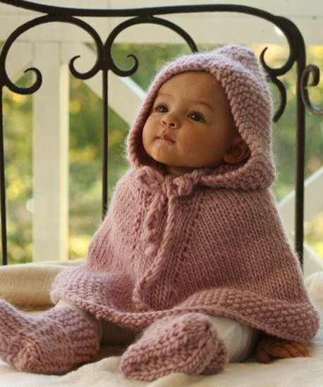 ファムズベビーの口コミで乳児湿疹に効果が高いと話題!ブログで赤ちゃんのあせもなどにも効果が高いと噂のファムズベビーとは